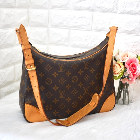 Louis Vuitton Handbags - 💖Louis Vuitton Boulogne Monogram 30